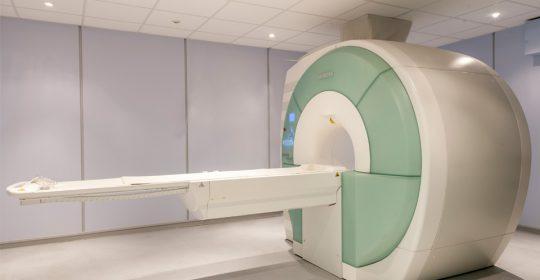 Motivos por los que realizar una resonancia magnética.