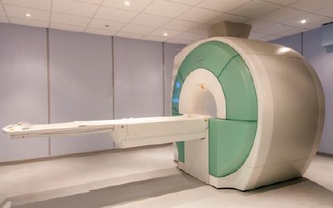 La resonancia magnética reduce notablemente la cantidad de biopsias de próstatas invasivas.