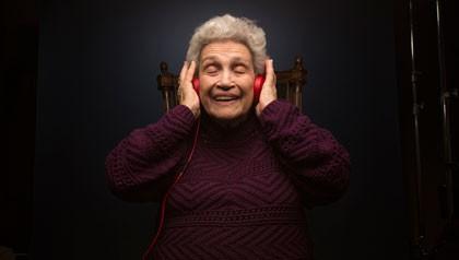 Los beneficios de la música en las personas con Alzheimer