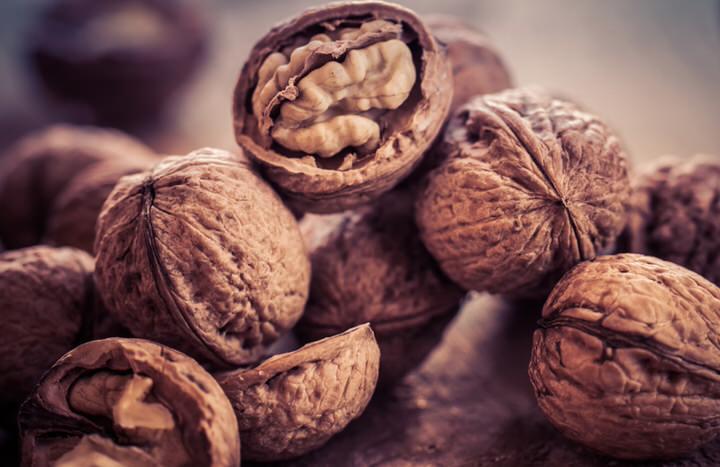 Las dietas enriquecidas con nueces podrían reducir el colesterol total.
