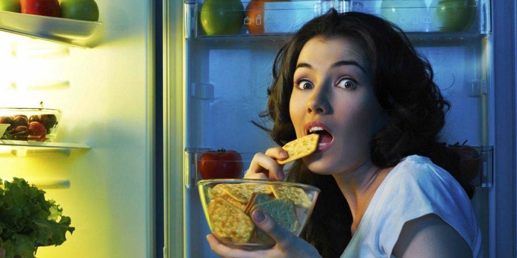Cenar tarde afecta a la salud cardiovascular